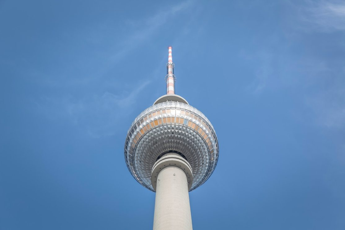 architecture-berlin-blue-sky-179942.jpg